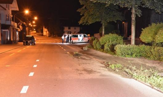 Mauren (FL): Alkoholisierter Autolenker fährt in Grünstreifen