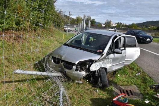 Rothrist SO: Automobilistin wird bei Selbstunfall mittelschwer verletzt