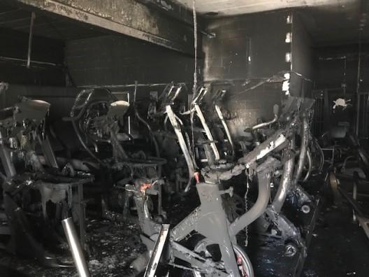 Sport-Studio in Brand gesteckt – Zeugenaufruf – Belohnung ausgesetzt
