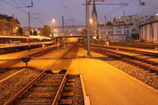 Hauptbahnhof / St.Gallen SG: Junge Frau (17) wird von Zug erfasst & schwer verletzt