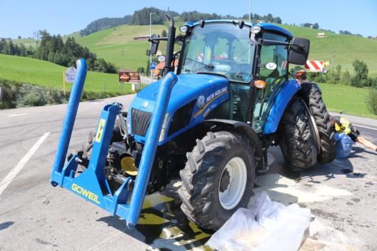 Appenzell AI: Zwei Traktoren kollidiert – zwei weitere Fahrzeuge beschädigt
