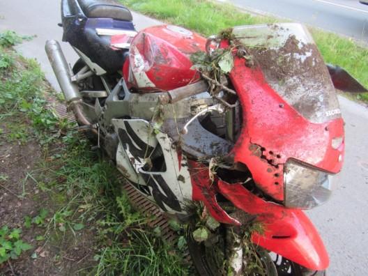 39-jähriger Motorradfahrer bei Sturz schwer verletzt