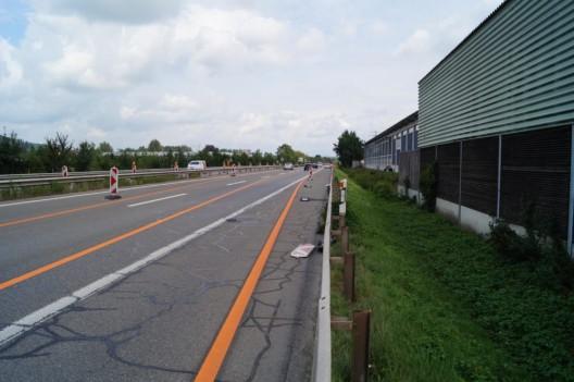 Gisikon LU / Autobahn A14: Alkoholisiert in Signalisationsschilder geprallt