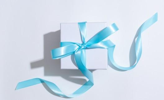 Geburtstagsgeschenke für Kleinkind aus Auto geklaut – Zeugenaufruf
