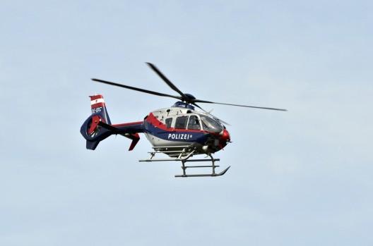 Erfolgreiche Suche nach verschwundenem Kind (7) mit Polizeihelikopter