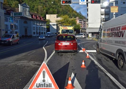 Luzern LU: Velofahrer bei Kollision mit Auto verletzt – Zeugen gesucht
