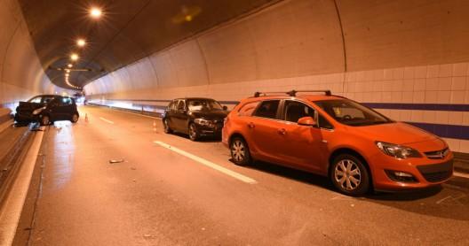 Eich LU / A2: Drei Fahrzeuge in Auffahrunfall involviert – fünf Verletzte