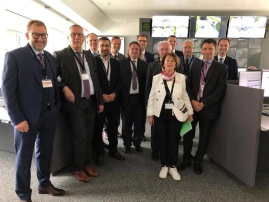 Chur GR: Delegation des Grossen Rates besucht Einsatzleitzentrale
