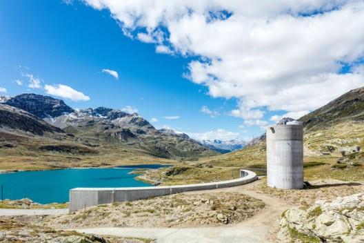 In die Landschaft eingepasst - Ein neues Wahrzeichen auf dem Berninapass