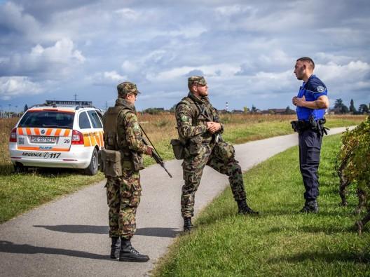 """Schweizer Armee: Übung """"Lux"""" mit den Polizeikorps der Kantone Waadt und Genf"""