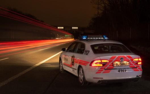 Pratteln BL / Polizei sucht Zeugen: Kollision zwischen drei Fahrzeugen auf der A2