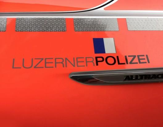 Luzern LU: Bus muss Vollbremsung durchführen - vier Personen verletzt