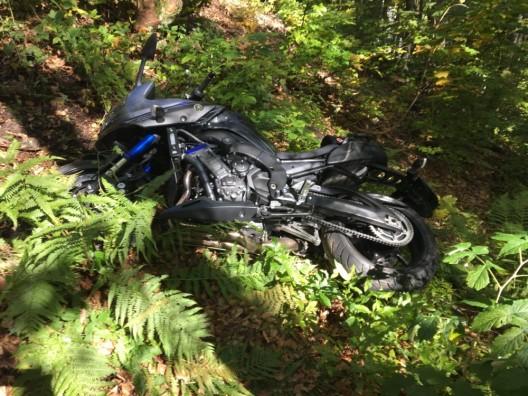 Linthal GL: Mann (64) verliert Kontrolle über sein Motorrad und stürzt