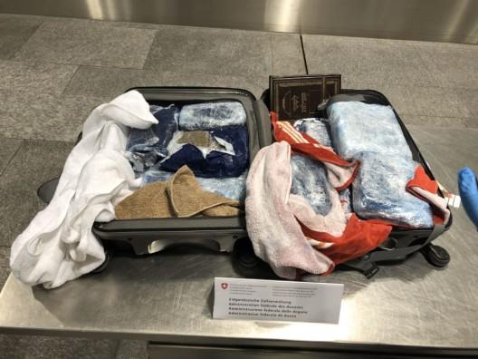 Flughafen Zürich: Franzose (59) mit 21 Kilogramm Haschisch erwischt