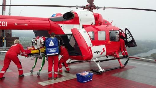 Rega fliegt Patientin trotz schlechter Sicht nach Zürich – dank Instrumentenflug