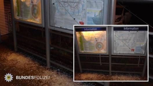 Aus Sachbeschädigung wird Widerstand und Tätlicher Angriff: Glasscheiben von Informationstafeln am Bahnsteig zerstört