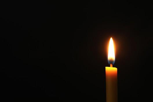 83-Jähriger kommt durch Brand in seinem Fahrzeug ums Leben