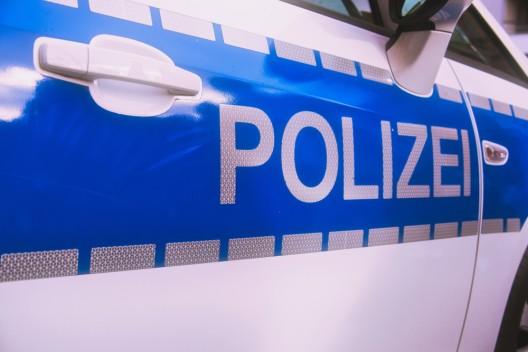 Prügelei zwischen rund 20 Personen - 17-Jähriger schwer verletzt