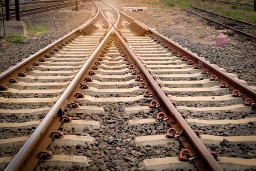Kind am Bahnhof von Flasche getroffen und schwer verletzt - 31-Jähriger ermittelt