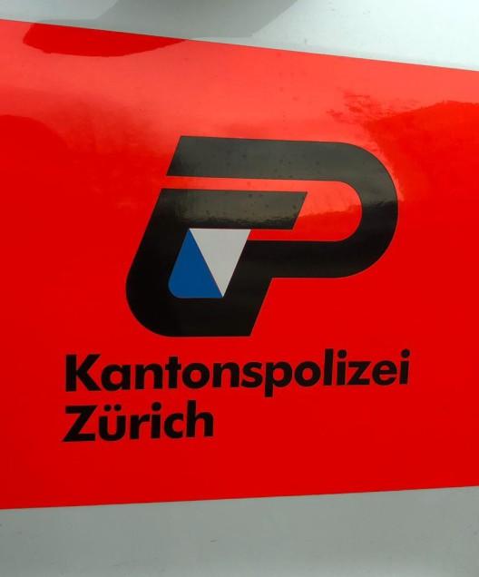 Egg b. Zürich ZH: Einbrecher erbeuten Schmuck aus Einfamilienhaus