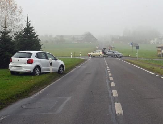Rain LU: Kollision zwischen drei Autos – niemand verletzt