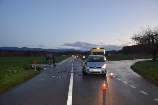 Lüterswil-Gächliwil SO: Jugendliche Rollerlenkerin bei Kollision mit Auto verletzt
