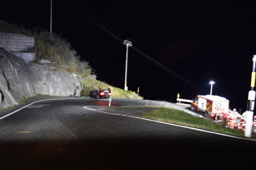 Tschlin GR: Auto landet auf dem Dach – Lenkerin (81) schwer verletzt