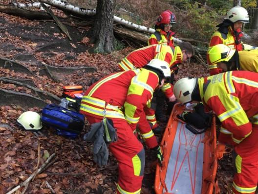 Verletzte Person im Wald