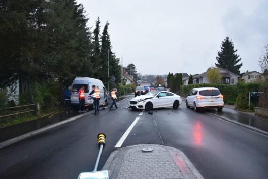 Gerlafingen SO: Lieferwagen prallt in entgegenkommendes Auto – zwei Verletzte