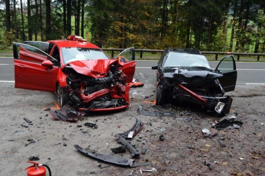 Teufen AR: Frontalkollision zwischen zwei Autos
