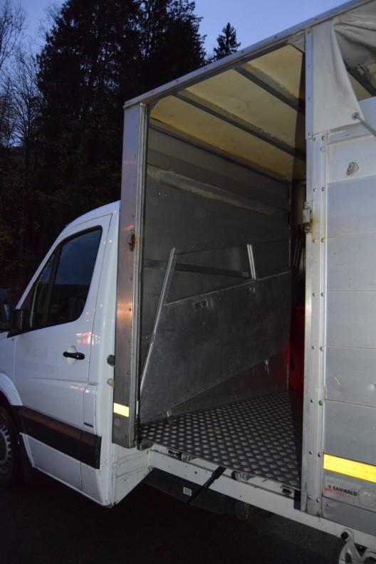 Herisau AR: Metallrampe löst sich von Lieferwagen