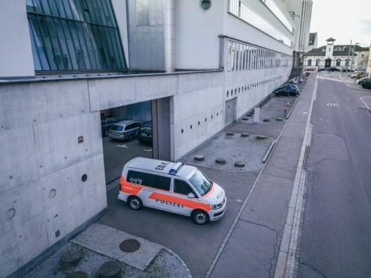 Stadt St.Gallen SG: Hund schnappt sich auf einem Bauernhof mehrere Hühner