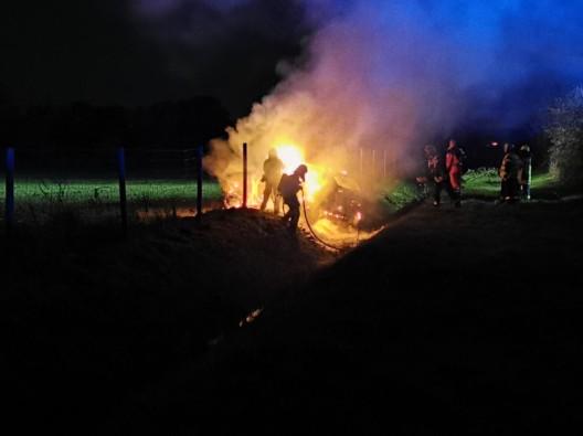 SUV brennt nach Kollision - 1 Schwerverletzter
