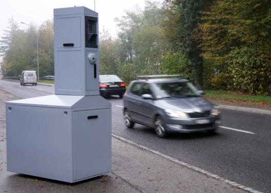 Kantonspolizei Freiburg setzt zwei neue teilstationäre Radargeräte ein