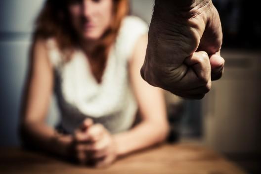 Verstärkte Prävention von Gewalt gegen Frauen und häuslicher Gewalt