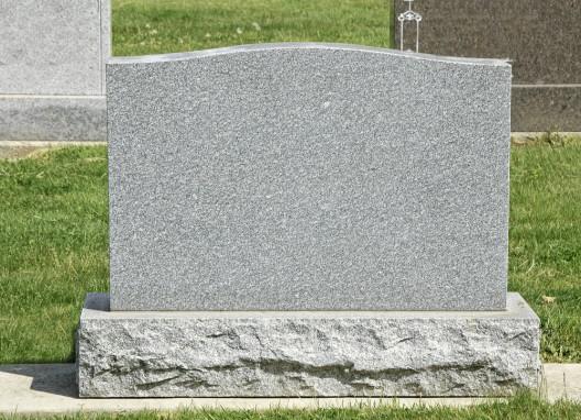 Vandalismus beim Friedhof Hermeskeil Grableuchten beschädigt
