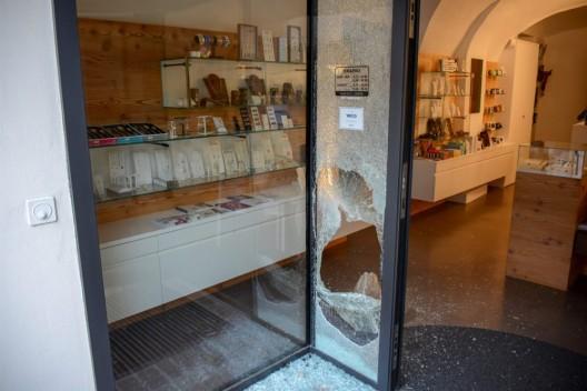 Poschiavo GR: Einbruchdiebstahl geklärt - Rumäne der Kapo Graubünden übergeben