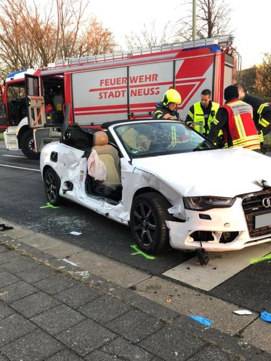 Verkehrsunfall zwischen PKW und Straßenbahn