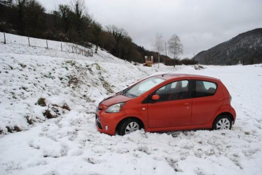 Osterfingen SH: Auto überschlägt sich bei Selbstunfall