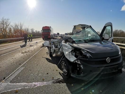 Schwerer Verkehrsunfall nach Handynutzung