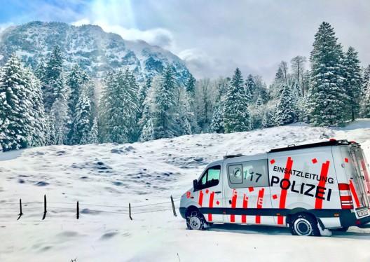 Lawinenniedergang im Gebiet Engelberg OW, verschütteter Snowboarder (37†) ist im Spital verstorben