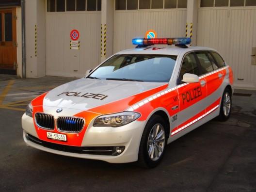 Winterthur ZH: Velofahrerin muss bremsen und stürzt - Zeugenaufruf