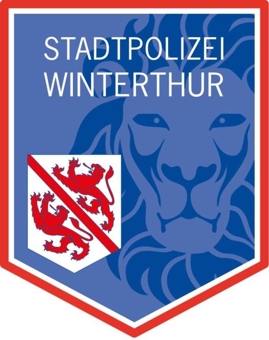 Winterthur ZH: Velolenkerin (72) nach Sturz in kritischem Zustand
