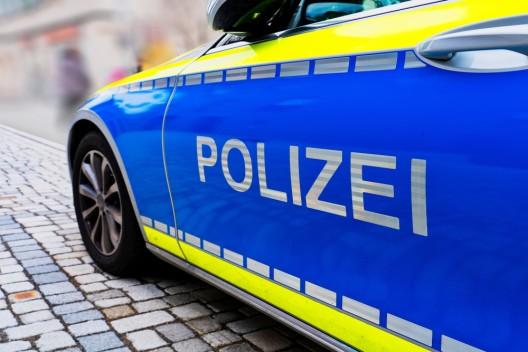 Verkehrsunfall mit einer verletzten Person - Fußgängerin schwer verletzt