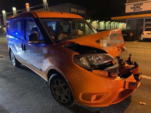 Aarburg AG: Auffahrkollision - sechs verletzte Personen