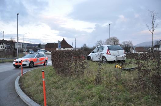 Wangen bei Olten SO: Selbstunfall im Kreisverkehr – Gefährliche Fahrmanöver?