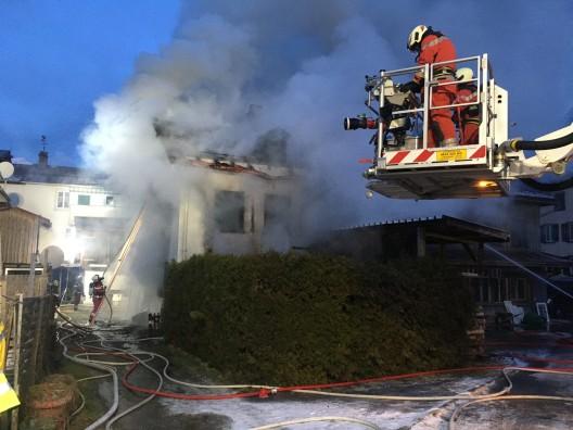 Schwanden GL: Vermisste Person tot aus Brandruine geborgen