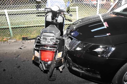 Balgach SG: Fahrunfähiger Rollerfahrer ohne Führerausweis verletzt sich bei Unfall