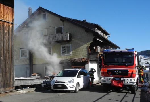 Gross SZ: Feuerwehreinsatz wegen Brand in einem Gewerbebetrieb