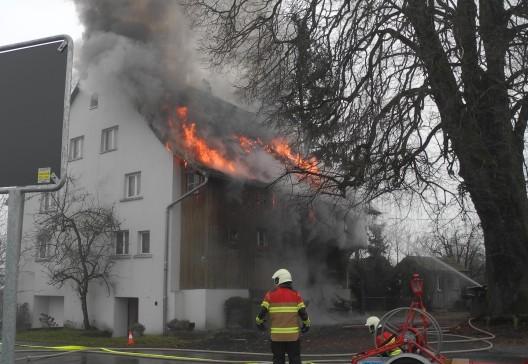 Wangen SZ: Hausbewohner (93) bei Brand verletzt